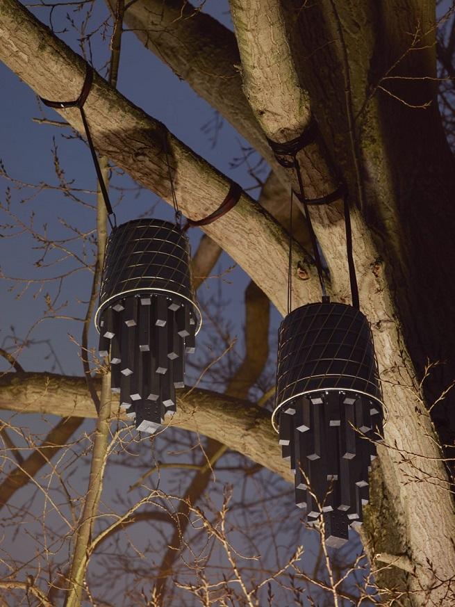Ikea - domki dla nietoperzy z metalowych stołków